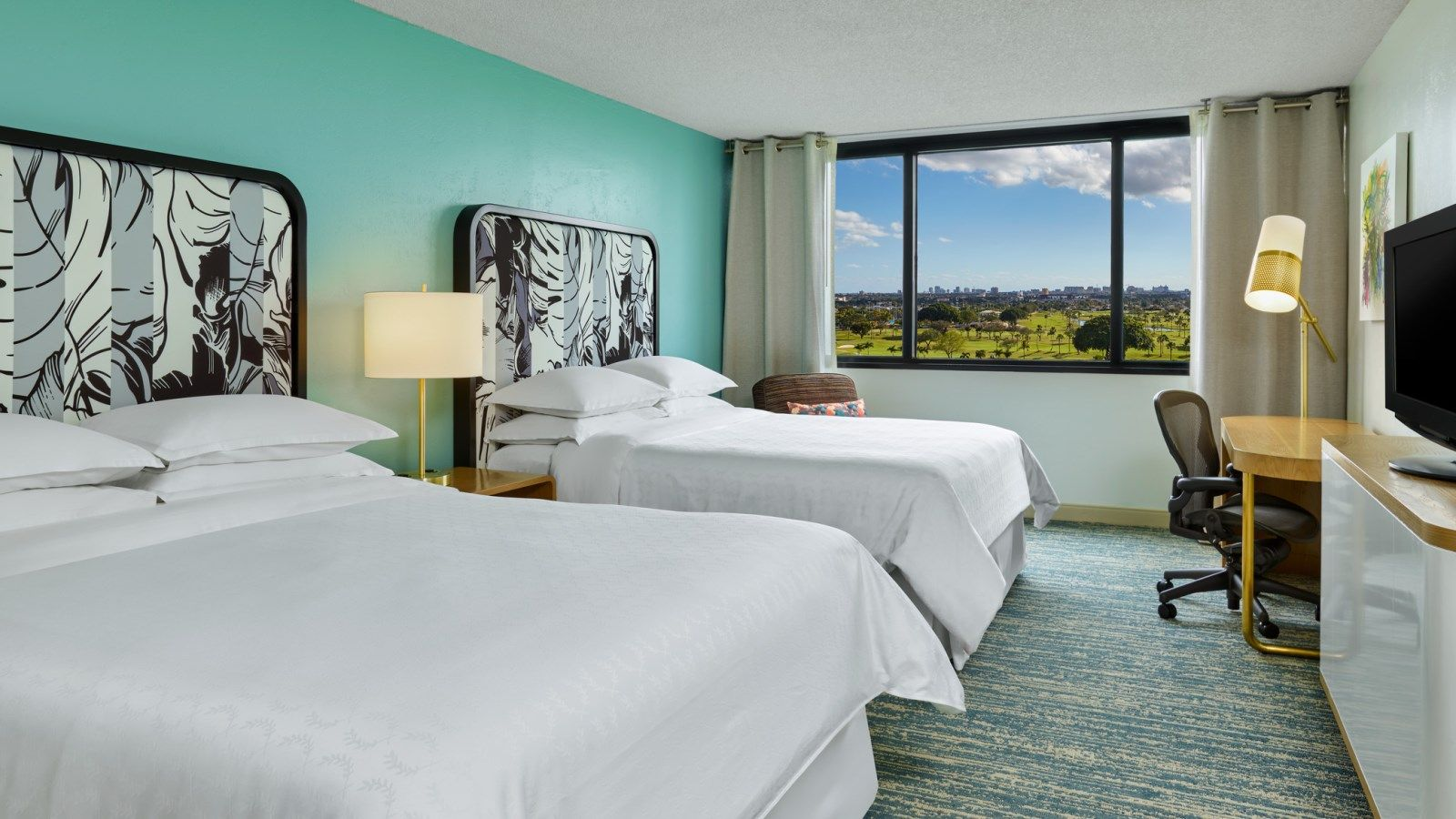 Miami Hotel Rooms | Traditional Room | Sheraton Miami Airport Hotel