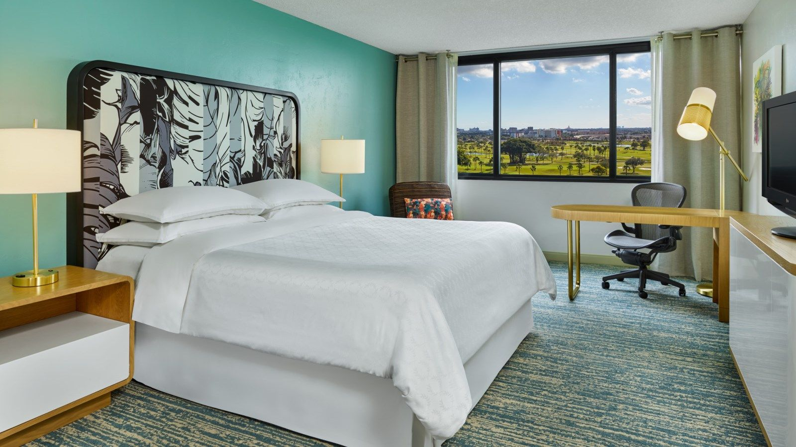 King Guestroom | Sheraton Signature Bed